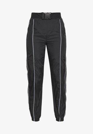 CODE CREATE JOGGERS WITH REFLECTIVE PIPING - Pantaloni - black
