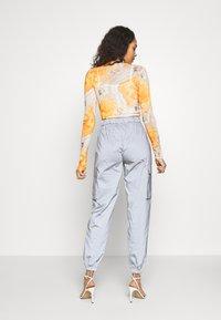 Missguided - CODE CREATEREFLECTIVE JOGGERS - Pantaloni sportivi - grey - 3