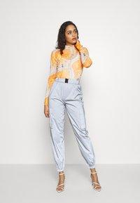Missguided - CODE CREATEREFLECTIVE JOGGERS - Pantaloni sportivi - grey - 2