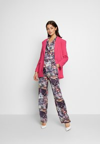 Missguided - FLORAL TROUSERS - Bukse - purple - 1