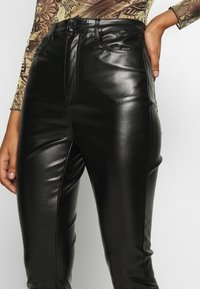 Missguided - TROUSERS - Pantaloni - black - 4