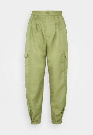 BALLOON UTILITY TROUSERS - Pantaloni - khaki
