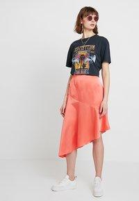 Missguided - ASYMMETRIC SKIRT - A-line skirt - coral - 1
