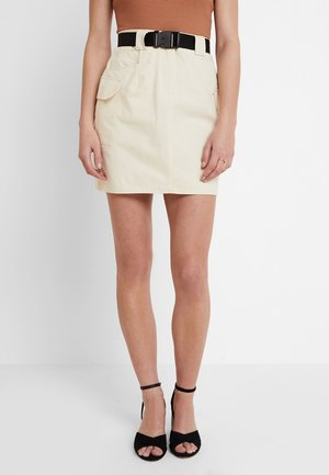 BELTED UTILITY SKIRT - Minisukně - cream