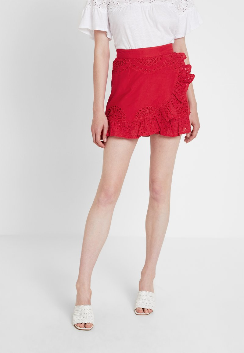 Missguided - ANGLAIS DOUBLE FRILL LAYER MINI SKIRT - Wrap skirt - red
