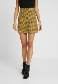 Missguided - CHECK BUTTON FRONT A LINE SKIRT - A-linjekjol - yellow - 0