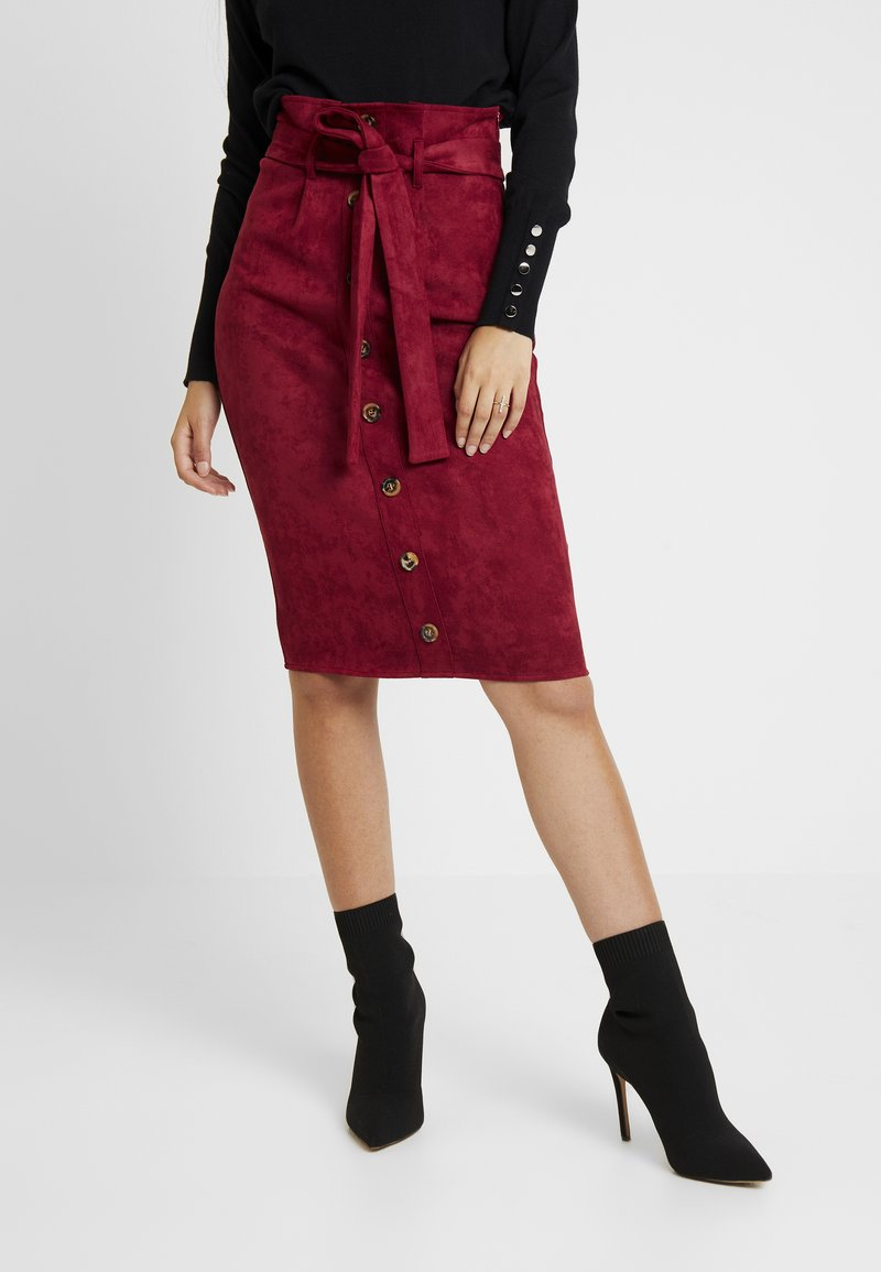 Missguided - BUTTON BELTED MIDI SKIRT - Bleistiftrock - burgundy