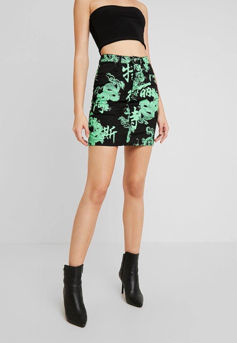 Missguided - DRAGON PRINT SKIRT - Denim skirt - neon green