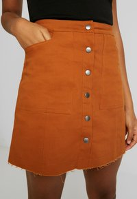 Missguided - BUTTON THROUGH SKIRT - A-Linien-Rock - rust - 4