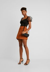 Missguided - BUTTON THROUGH SKIRT - A-Linien-Rock - rust - 1