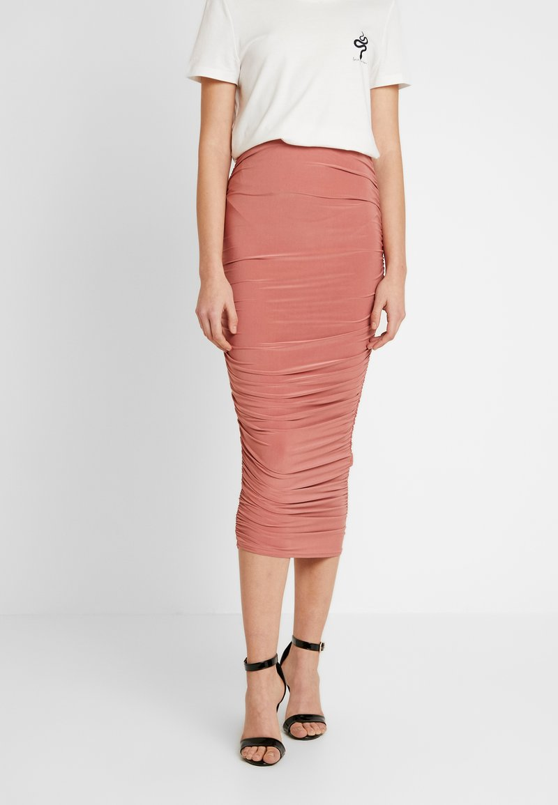 Missguided - SLINKY RUCHED SKIRT - Pouzdrová sukně - blush