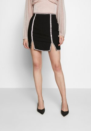 TRIM FRONT SPLIT SKIRT - Kynähame - black