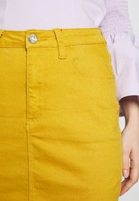 Missguided - SUPER STRETCH SKIRT - Jupe crayon - mustard - 4