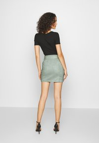 Missguided - SELF BELTED MINI SKIRT - Jupe crayon - mint - 2