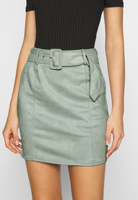Missguided - SELF BELTED MINI SKIRT - Jupe crayon - mint - 4