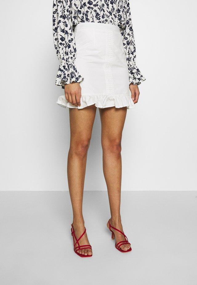 POPLIN CROCHET TRIM MINI SKIRT - Minikjol - white
