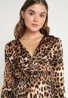 Missguided - LEOPARD TWIST FRONT MINI DRESS - Kjole - brown