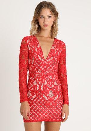 PLUNGE NECK MINI DRESS - Vestido de tubo - red