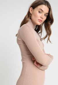 Missguided - ROLL NECK RIBBED  MINI DRESS - Abito in maglia - taupe - 3
