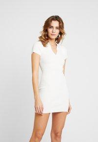 Missguided - COLLAR PLUNGE MINI DRESS - Robe fourreau - white - 0