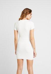 Missguided - COLLAR PLUNGE MINI DRESS - Robe fourreau - white - 3