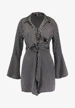 PINSTRIPE TWIST FRONT DRESS - Hverdagskjoler - black