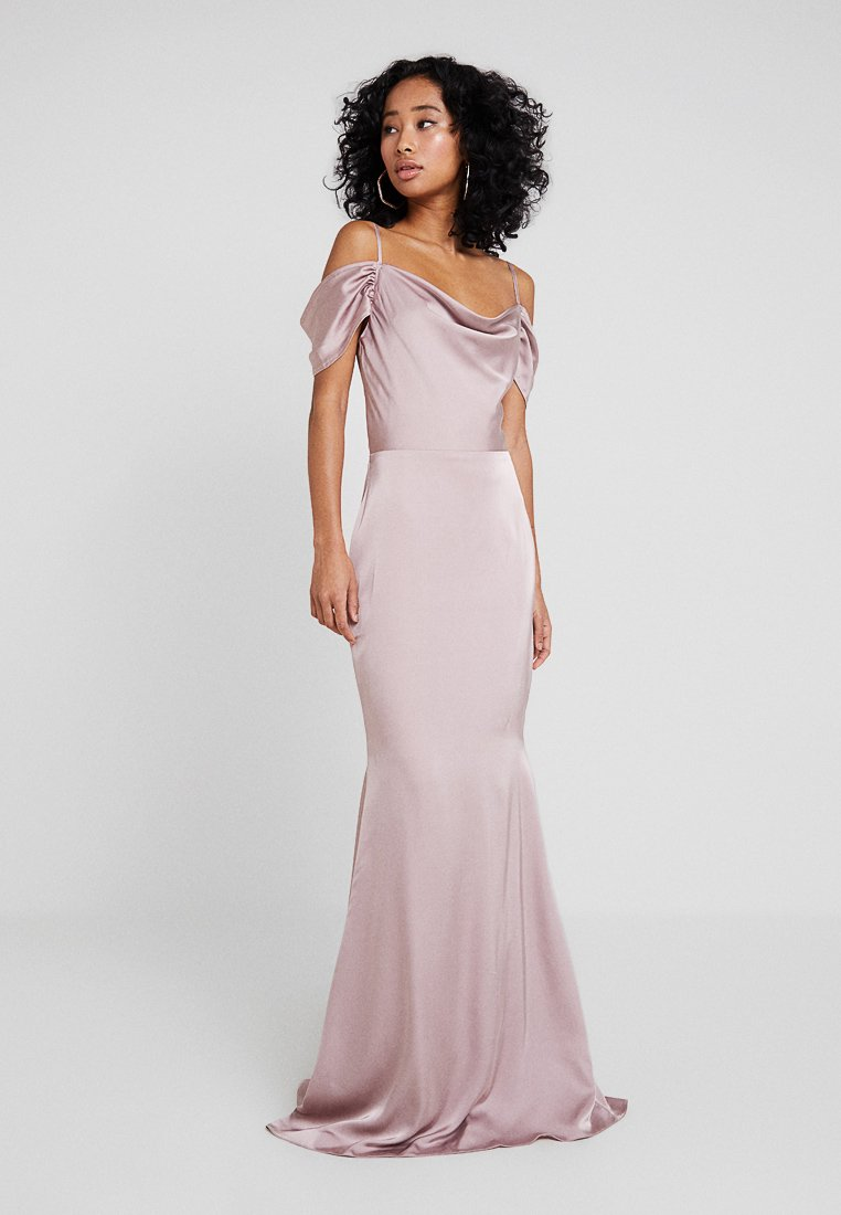 Missguided - BRIDESMAID SATIN OFF SHOULDER MAXI DRESS WITH TRAIN - Vestido de fiesta - blush pink