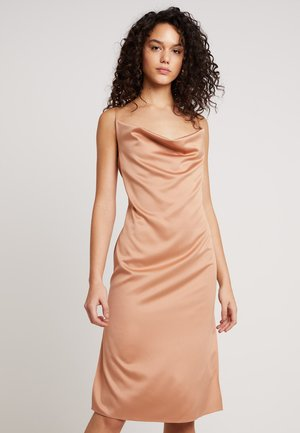 COWL CAMI DRESS - Denní šaty - mocha