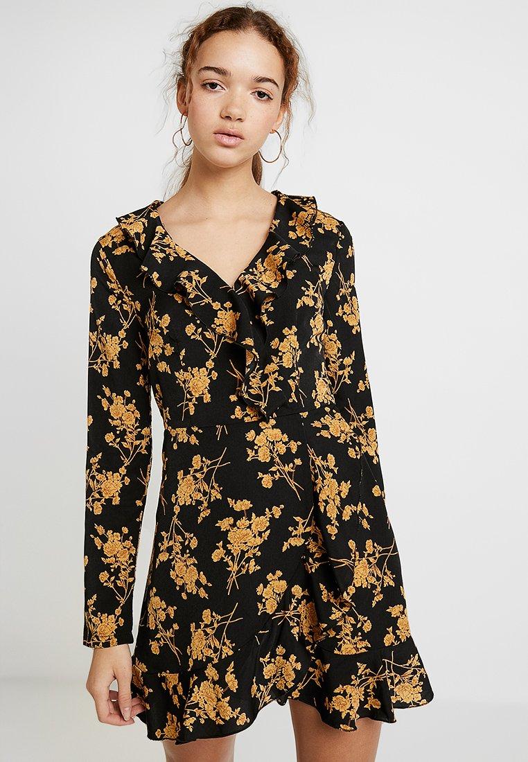 Missguided - RUFFLE TEA DRESS FLORAL - Korte jurk - black