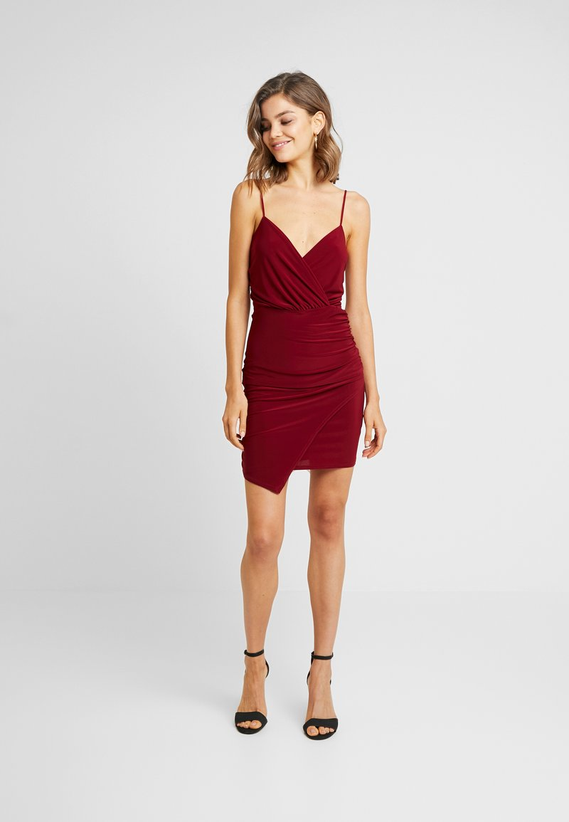 Missguided - SLINKY WRAP OVER MINI DRESS - Shift dress - burgundy