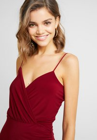 Missguided - SLINKY WRAP OVER MINI DRESS - Shift dress - burgundy - 6