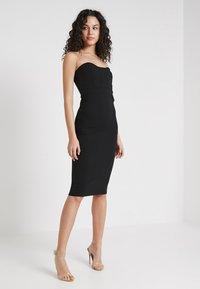 Missguided - BANDEAU BODYCON DRESS - Vestido de tubo - black - 1