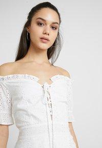 Missguided - BARDOT BRODERIE DRESS - Vestido informal - white - 3