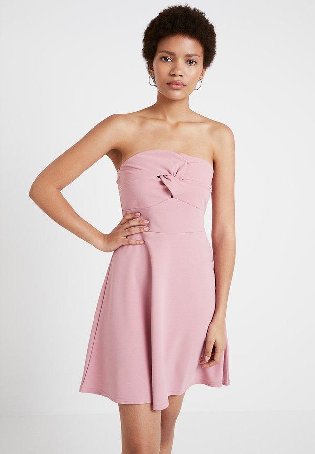 TWIST FRONT BANDEAU DRESS - Jersey dress - blush