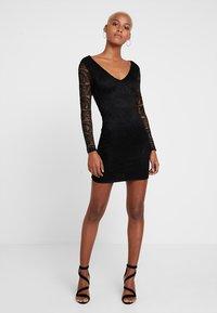 Missguided - OPEN BACK MINI DRESS - Etuikleid - black - 2
