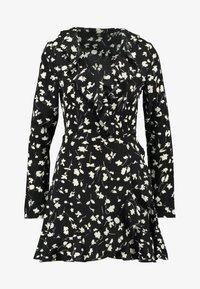Missguided - WRAP RUFFLE FRONT TEA DRESS - Denní šaty - black - 3