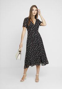 Missguided - FLORAL BUTTON FRONT MAXI DRESS - Maxi šaty - black - 2