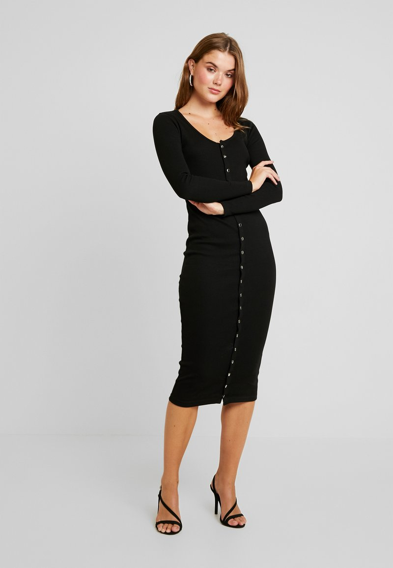 Missguided - LONG SLEEVE POPPER MIDI DRESS - Shift dress - black
