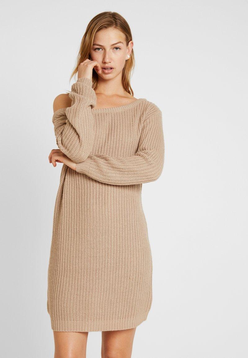 Missguided - AYVAN JUMPER DRESS - Vestido de punto - taupe