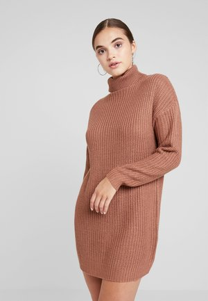ROLL NECK BASIC DRESS - Abito in maglia - mocha