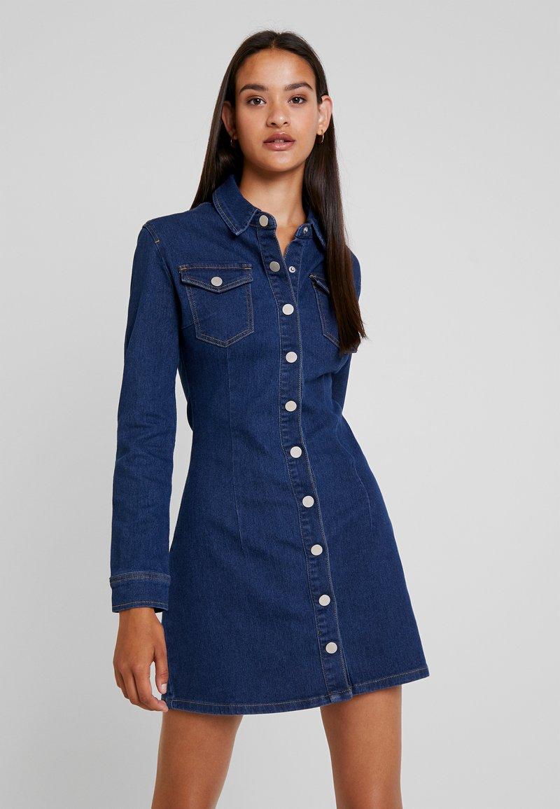 Missguided - LONG SLEEVE BUTTON THROUGH DRESS - Jeanskjole / cowboykjoler - deep blue