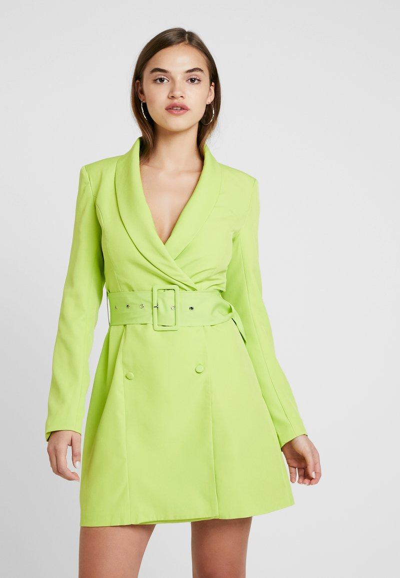 Missguided - SELF BELTED DRESS - Košilové šaty - lime