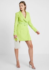 Missguided - SELF BELTED DRESS - Shirt dress - lime - 1
