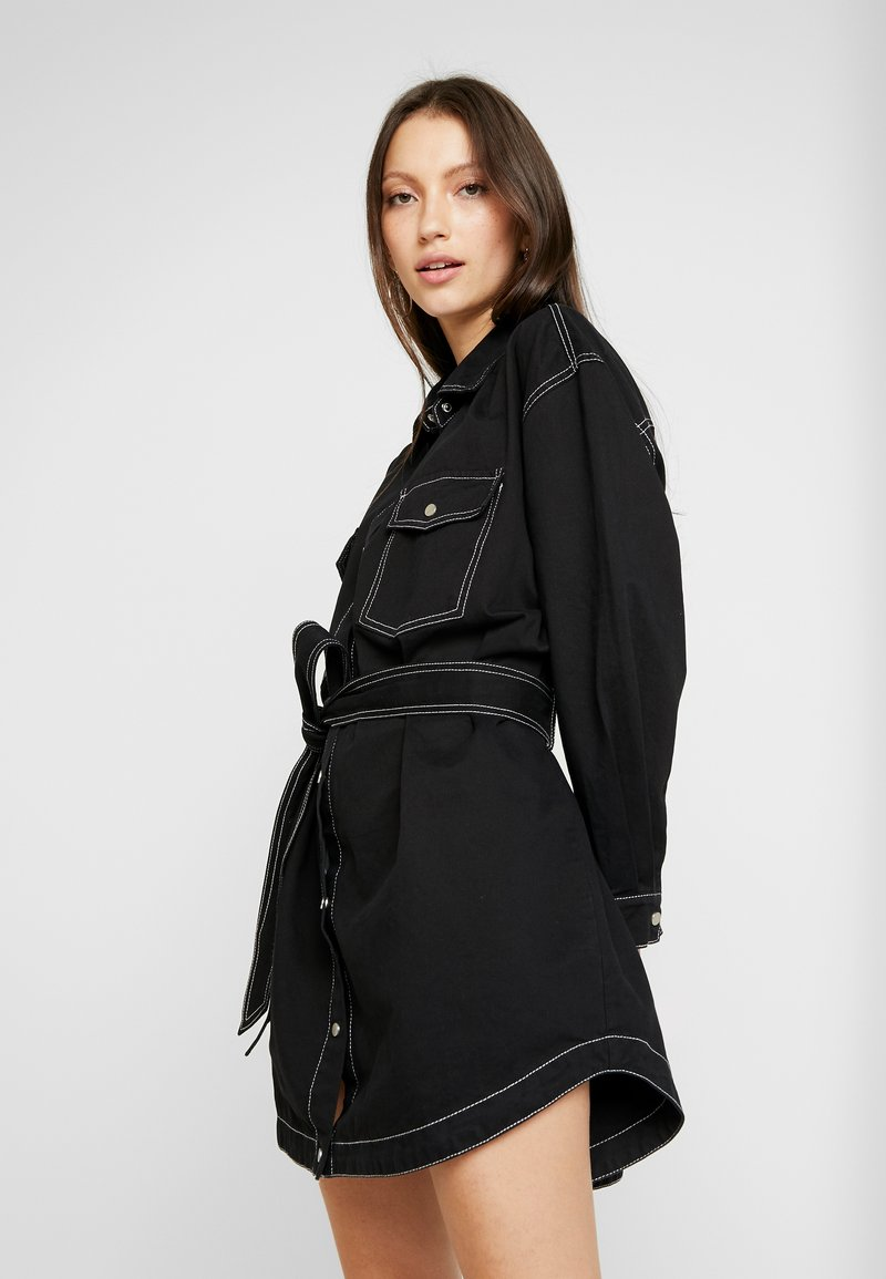 Missguided - BELTED CONTRAST STITCH - Shirt dress - black