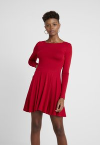 Missguided - 2 PACK SCOOP BACK SKATER MINI DRESS  - Jerseykjoler - red/black - 3