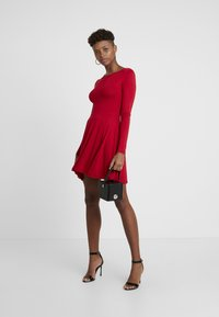 Missguided - 2 PACK SCOOP BACK SKATER MINI DRESS  - Jerseykjoler - red/black - 2