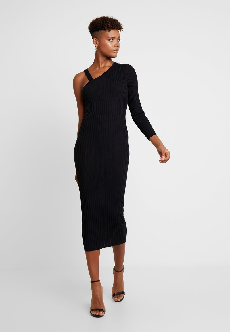 Missguided - ONE SHOULDER ASYMMETRIC DRESS - Abito in maglia - black