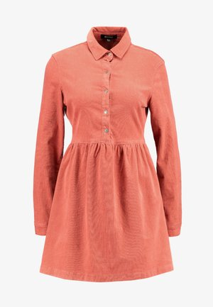 SMOCK DRESS - Denní šaty - blush