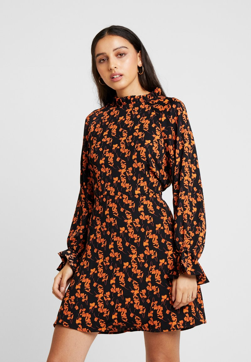 Missguided - PURPOSEFUL FLORAL FLARED SLEEVES MINI DRESS - Vestido informal - black