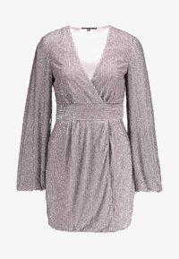 Missguided - EMBELLISHED WRAP TIE DETAIL BLOUSON SLEEVE MINI DRESS - Vestito elegante - lilac - 3